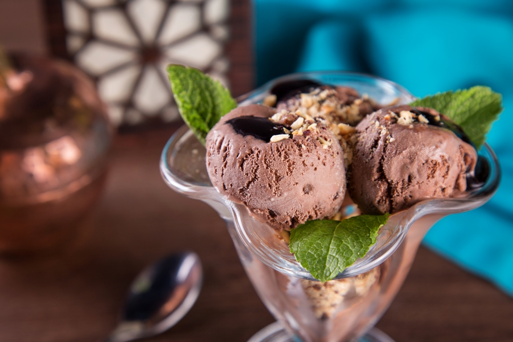 ice cream with chocolate sauce and hazelnut